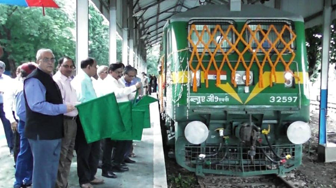 CLW produces 7000 electric locomotive. Image: Rail Analysis India